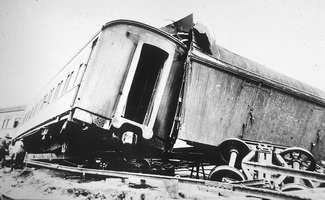 C.1930,Accident on TAR - carriage and mail van