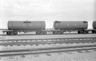 12.1971,Port Augusta - Water tank TF804 + TF810