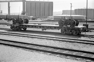 12.1971,Port Pirie - flat wagon RG1613 loaded with wheels