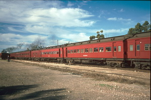 8<sup>th</sup> June 1987 Tailem Bend Sleeping cars - ex Train of Knowledge
