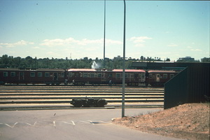 15.11.1987,Adelaide yard Red Hens - 416 + unknown being painted + 326