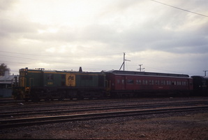 11.6.1991 Mt Gambier loco 835 + <em>Inman</em> car
