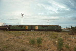 27.11.1994,Birkenhead GM30 + GM32 on oil train