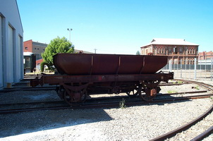 8<sup>th</sup> March 2001,Commonwealth Railways ballast hopper BAS&nbsp;615 - just arrived