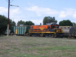 6<sup>th</sup> March 2006,Port Lincoln - Locomotive 906 + ENHG5