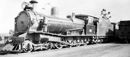 22.10.1938 Terowi - T241 on west bound ewast-west express