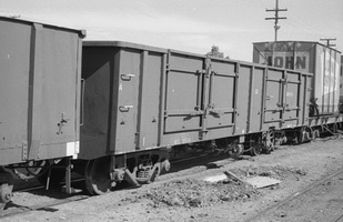 28.8.1976 - Alice Springs - NGH1531 open wagon