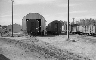 28.8.1976 - Alice Springs - general view of brake vans and wagons in yard