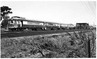 26.3.1964,railcar SAR Brill 38 + 207 + 215 + 36 - Easter Thursday,Torrens River - Adelaide