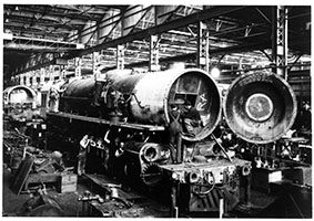 20.2.1943. loco SAR 735 - view of workmen constructing loco in workshop - Islington Workshops